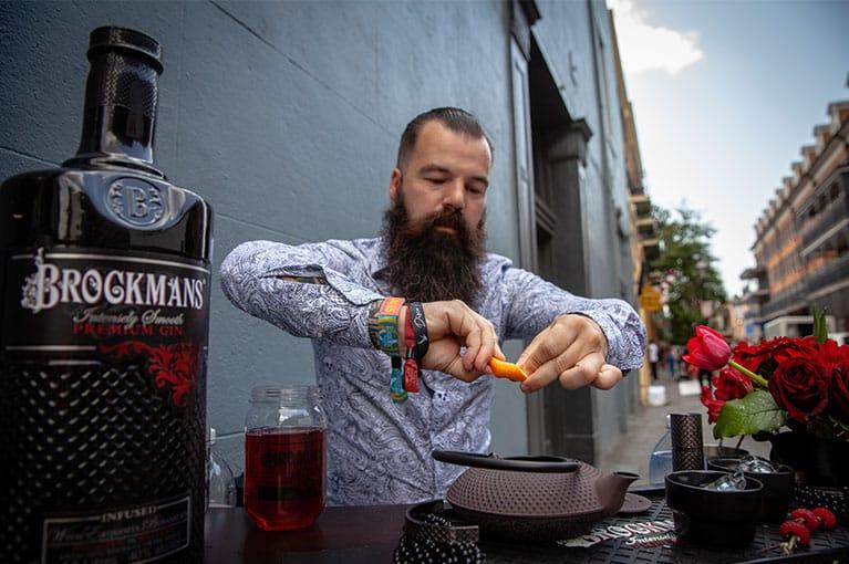 Tuca Di Matheo making his Brockmans Cocktail