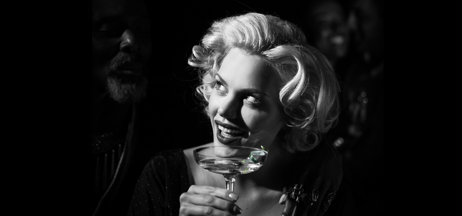 Marilyn drinking Martini