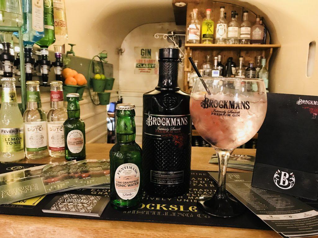 Gilli's Gin Tin Brockmans Gin