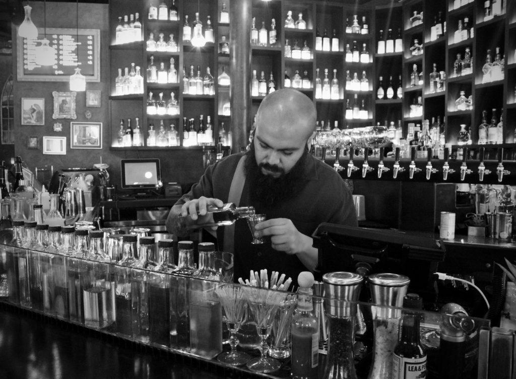 """Antonio Molinero makes his Brockmans cocktail, the """"Frozen Lake"""""""